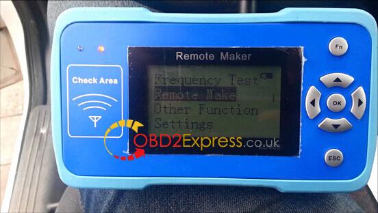 KD900-remote-maker-1