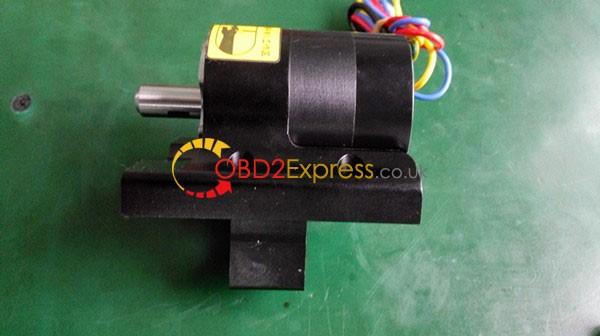 condor xc Mini screw 11 600x336 - Xhorse Condor XC-MINI key cutting machine Review - Xhorse Condor XC-MINI key cutting machine Review