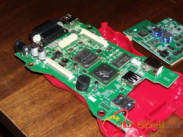 VCM2 SP177 pcb 2 600x450 - So-called BEST Ford VCM2 obd2express display vs. user received