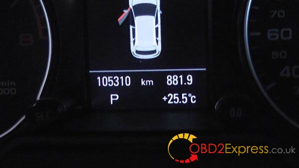 Audi-Q5-odometer-correction-by-OBDSTAR-X300M-(17)