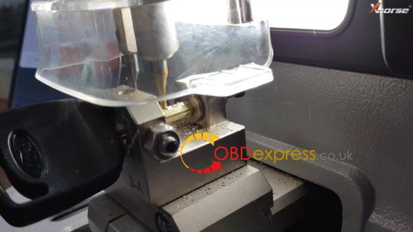 xhorse dolphin key cutting machine ford tibbe key on m3 clamp 17 600x337 - How does Xhorse Dolphin cut key for Ford Tibbe key with M3 clamp? - How does Xhorse Dolphin cut key for Ford Tibbe key with M3 clamp?
