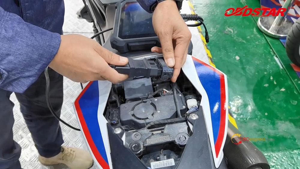 obdstar ms80 diagnose 2018 bmw s1000r motorbike 02 - How does OBDSTAR MS80 diagnose 2018 BMW S1000R Motorbike?