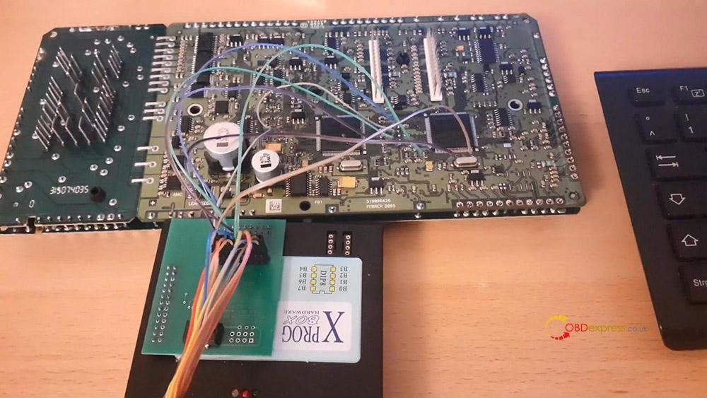 xprog read cem volvo v50 01 - How does Xprog Read CEM Volvo V50 on bench? -